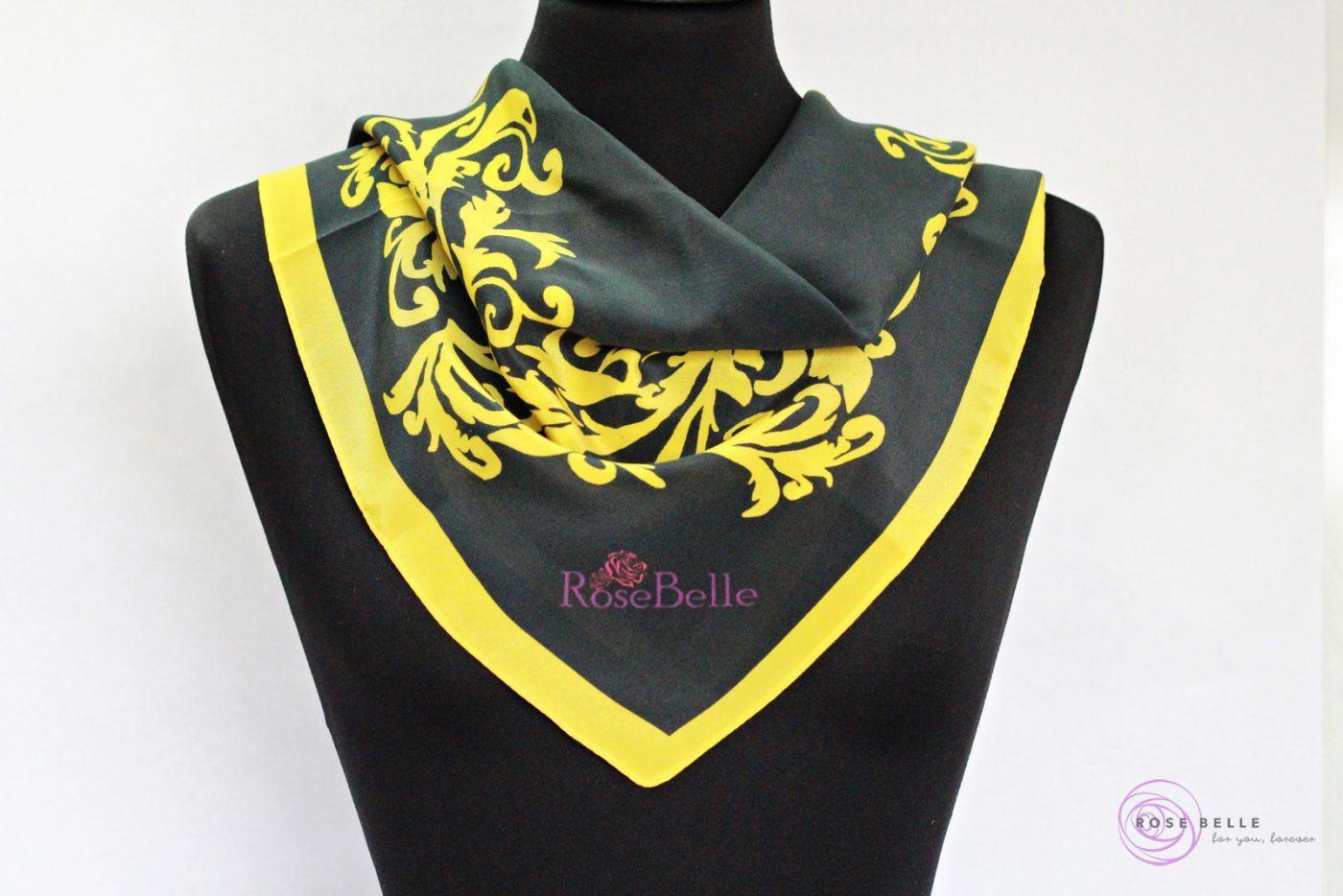 Černý s žlutě květinovým ornamentem
