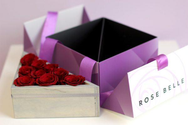 Pięknie podane róże stabilizowane